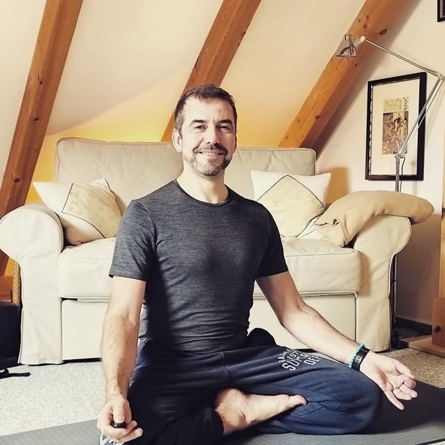 levi-yoga